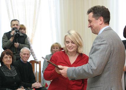 Губернатор поздравил творческую элиту края