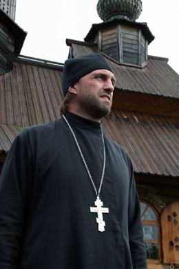 Владимир Вдовиченков стал церковным маляром