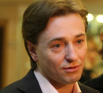 Сергей Безруков рискует здоровьем