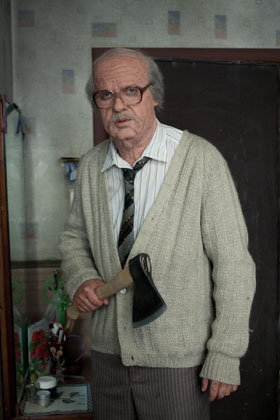 Светлаков довел пенсионера до слез