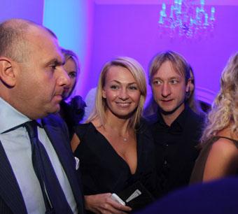 Яна Рудковская ждет кожаную свадьбу