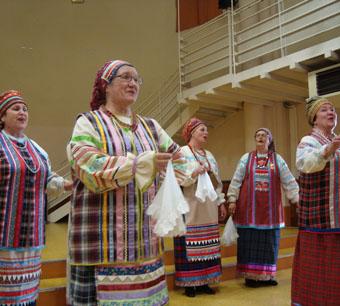 Казачьи напевы «Лады» любят  и в Сибири, и во Франции