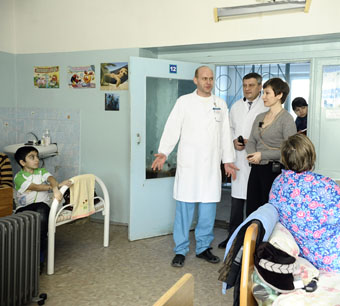 Подарки маленьким пациентам