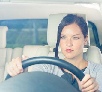 Женщин за рулем стало в два раза больше