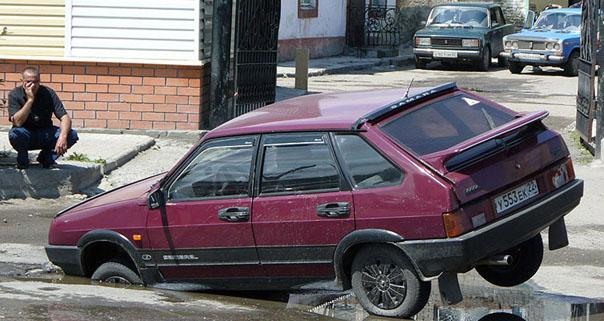 Дорожники оплатят ремонт автомобиля