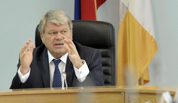 Губернатор поручил разработать программу по борьбе с автомобильными пробками