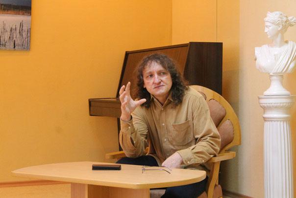 Николай Туз: «Поэзия - это способ жизни. Никому не советую»