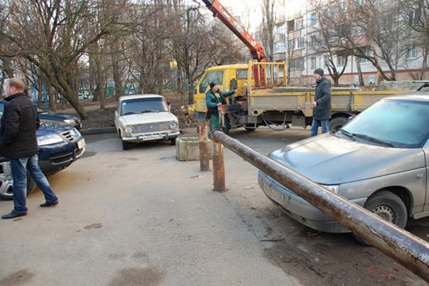 Свободный проезд во двор -  норма закона!