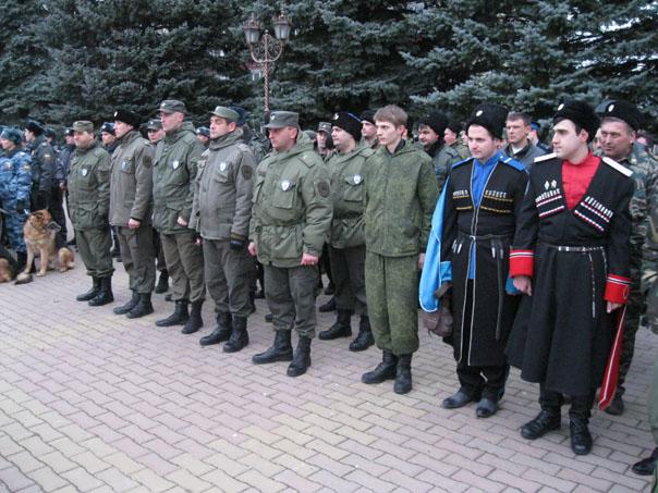 На улицы  города вышли совместные патрули полиции и казаков