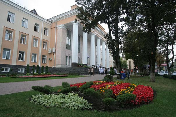 Медицинскому университету - 75