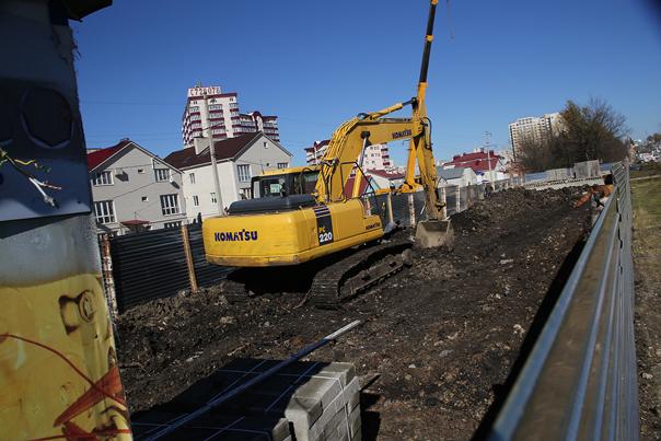 Администрация  города  Ставрополя  заинтересовалась,  кому  стали  неугодны  деревья  на  улице  Доваторцев