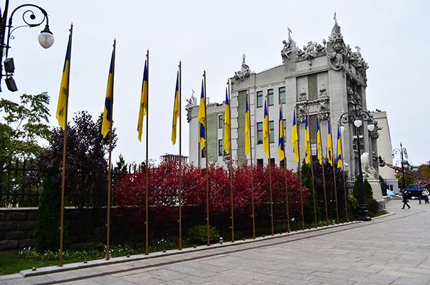 Чем живёт Украина? Часть 2. Тётка в Киеве