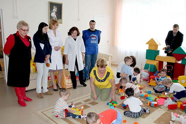Единороссы Ставрополя продолжают марафон добрых дел