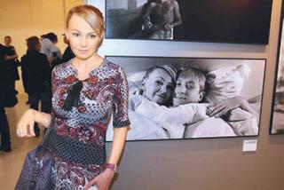 Плющенко оставил жену