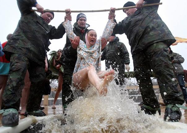 Как не пострадать на крещенских купаниях?