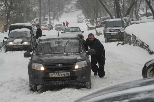 В город пришел снегопад