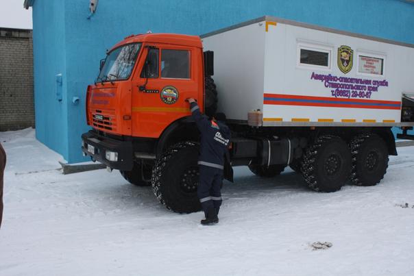 Спасатели: заносы на дорогах - это опасно!