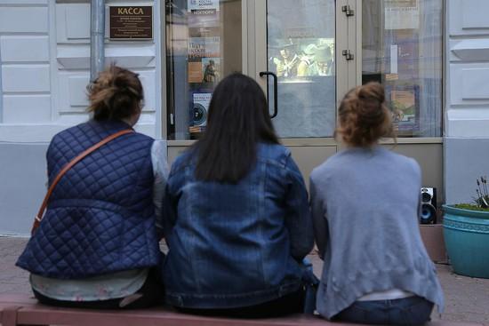 В Год кино фильмы показывают даже на улице.
