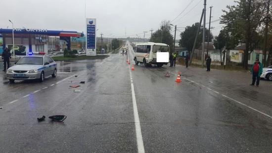 ВБудённовском районе столкнулись атвобус, маршрутка иКамАЗ