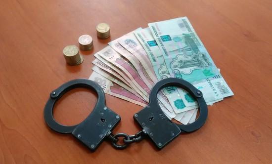 НаСтаврополье мужчина пытался дать взятку сотруднику ФСБ в 10 000 руб.