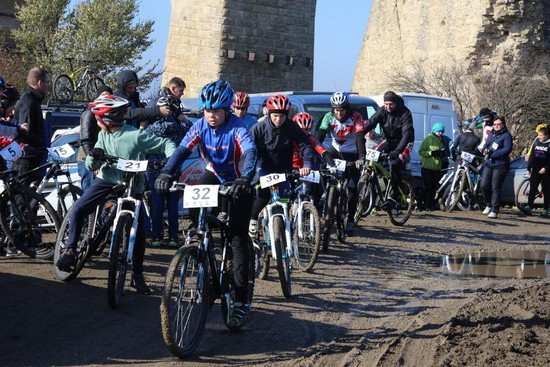 Столичная область: Около 500 велосипедистов приняли участие в«Золотых колёсах Подмосковья»