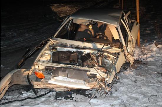 ВЖуравском шофёр ВАЗа умер, врезавшись вводосточную трубу