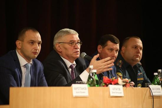Пропускной режим ужесточат вшколах и клиниках Ставрополя