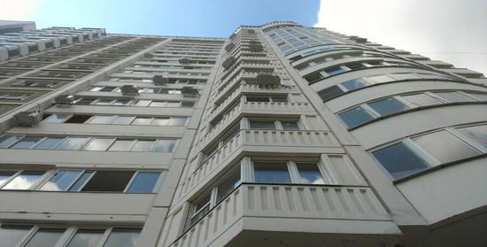 Пенсионер разбился насмерть, выпрыгнув изокна 7 этажа вСтаврополе