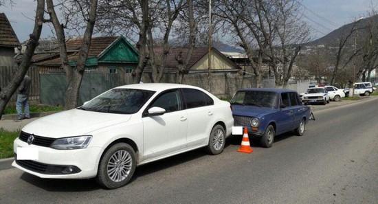 ВПятигорске шофёр  автомобиля скончался впериод движения