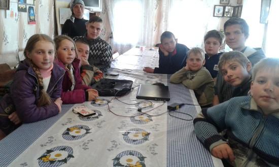 Дети войны взрослеют рано. Воспитанники Первомайской церковно-приходской школы.