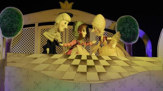 Сцена из спектакля «Принцесса на горошине».