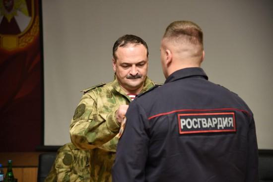 Старший сержант Росгвардии удостоен награды зазадержание опасного рецидивиста