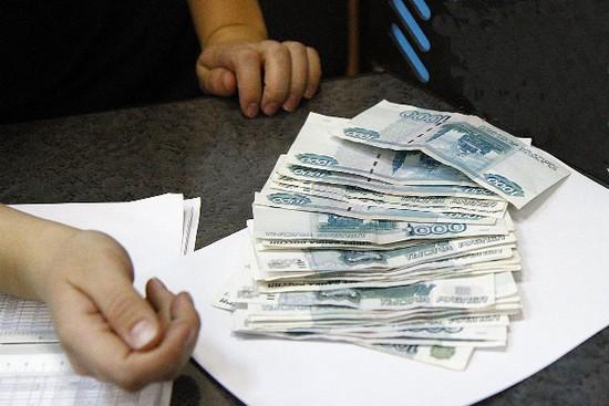 ВСтаврополе женщина попробовала  пронести под одеждой деньги для осуждённого