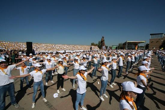На Крепостной горе выступил тысячеголосый детский хор Ставрополья.