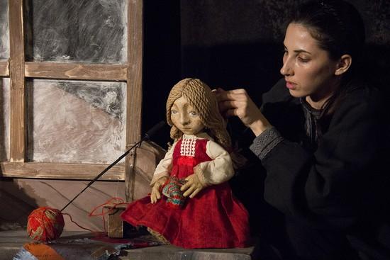 Актриса Надежда Дробышева в спектакле «Серебряное копытце».