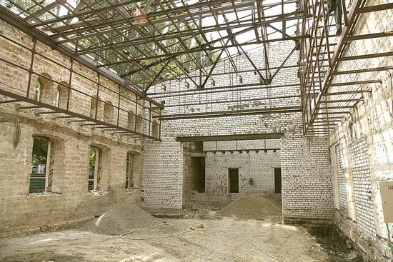 В здании театра идут реставрационные работы  (фото предоставлено Ставропольским краевым театром кукол).
