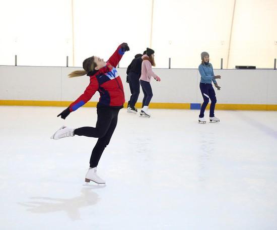 Скользкий, но не страшный: в Ставрополе готовится второй сезон шоу «Звезды на льду»